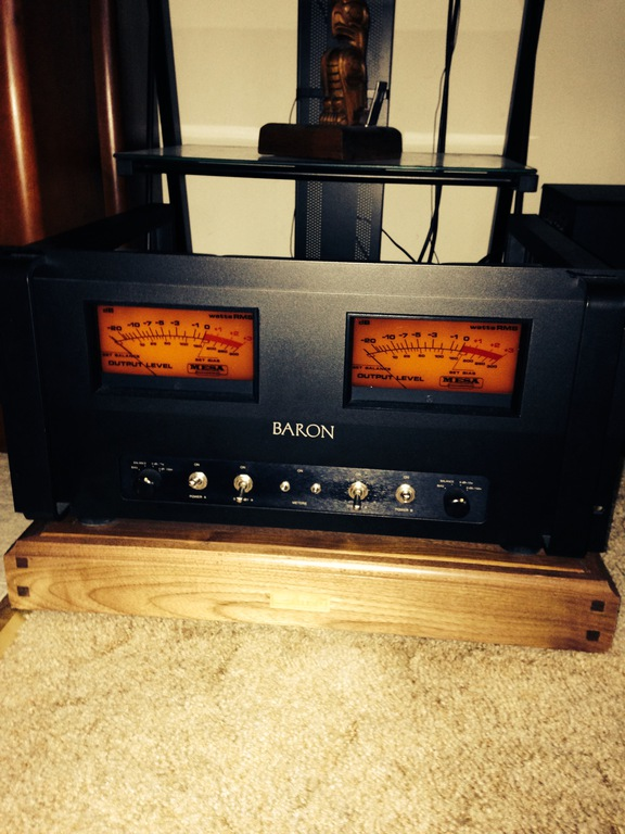 Mesa Baron tube power amplifier.
