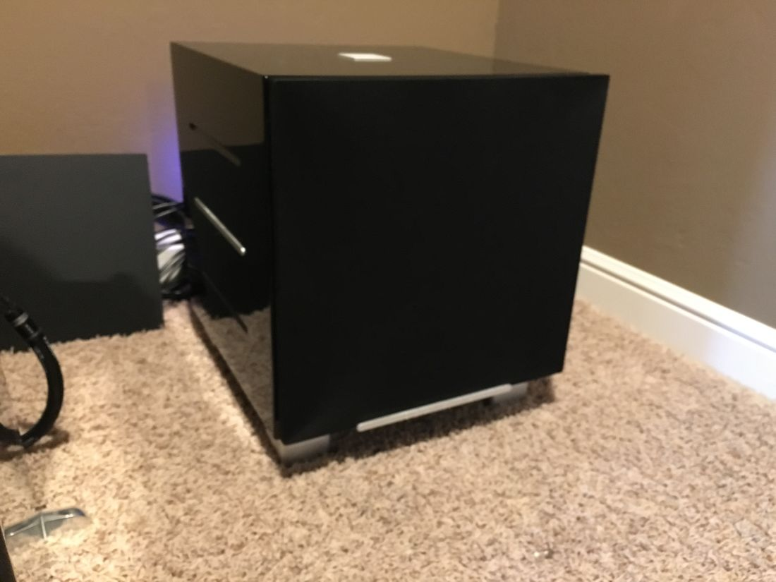 Love this REL R-528 subwoofer.
