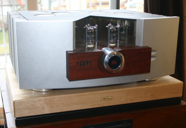Pathos Logos hybrid integrated amp