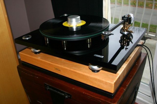 Bluenote Bellavista w/B-5 signature arm and Ortofon Rohmann cartridge with FIM isolation base
