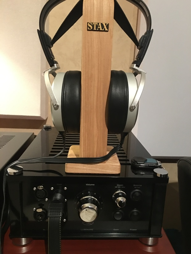 Stax SR-009 with Audiovalve Luminare Ampl