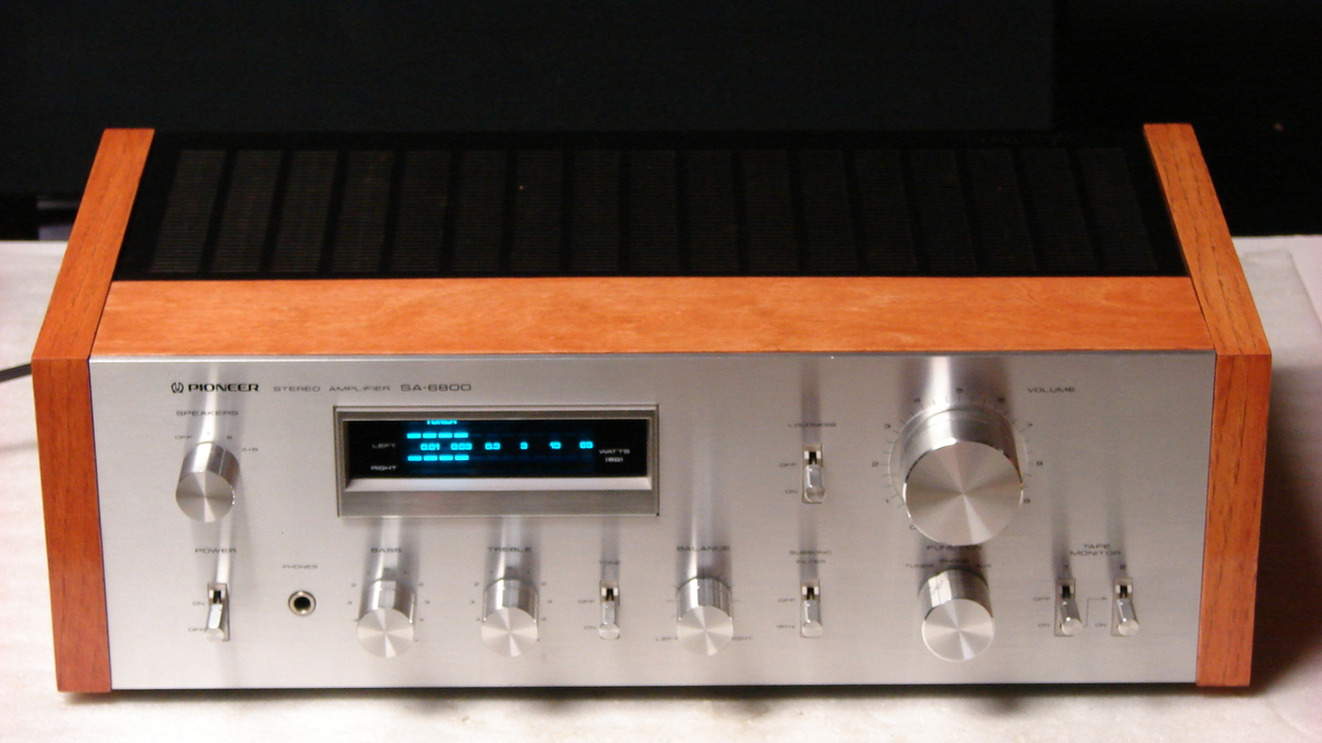 SA-6800 amp saved from the chop shop