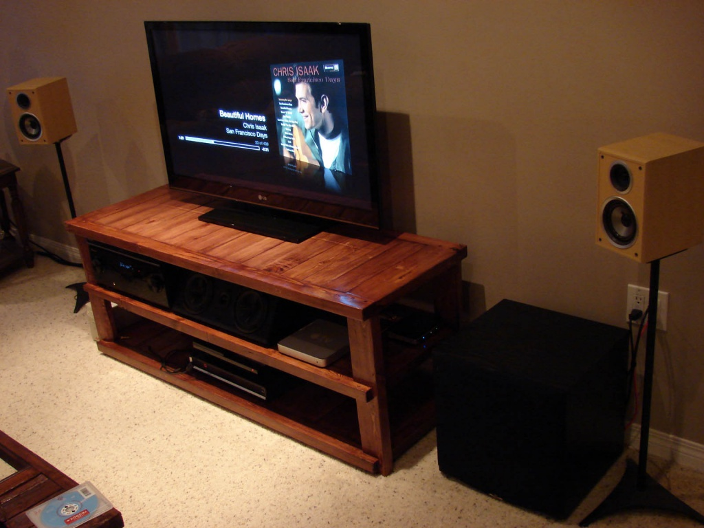 DIY TV Stand finally complete & set up