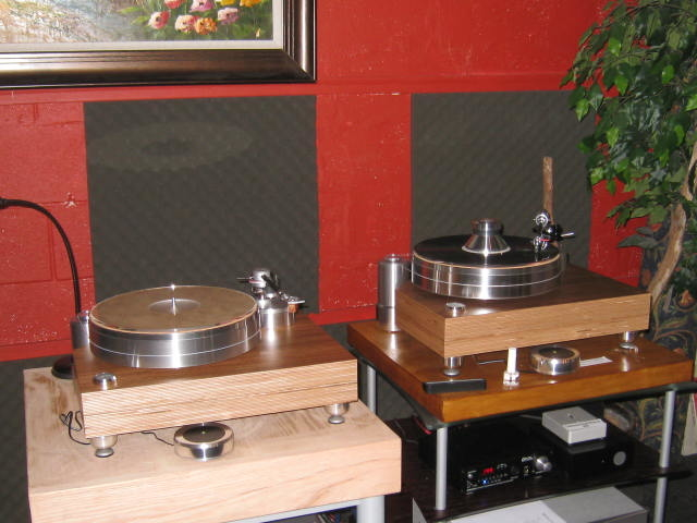 Solid Wood MPX  Table with Vertere SG-1 Tonearm & Benz Micro Wood Cartridge