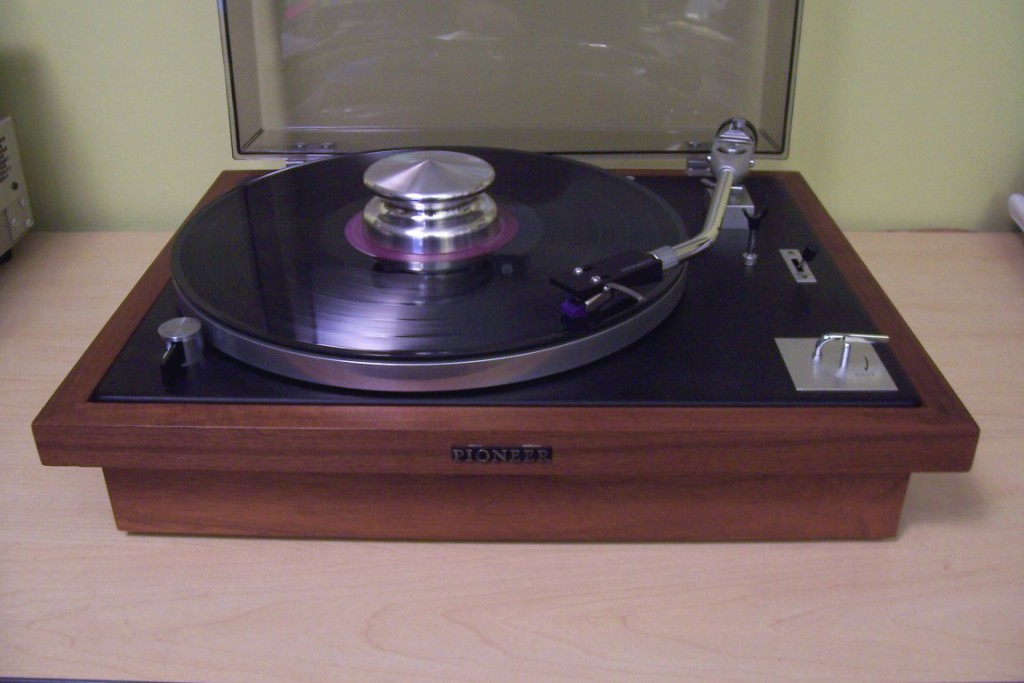 Pioneer PL-25 turntable