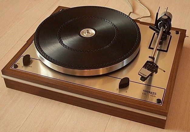 thorens td 165 td165 turntable with shure needle working fine for sale canuck audio mart. Black Bedroom Furniture Sets. Home Design Ideas