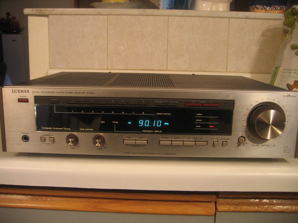 luxman r 404 am fm stereo receiver in very nice condition