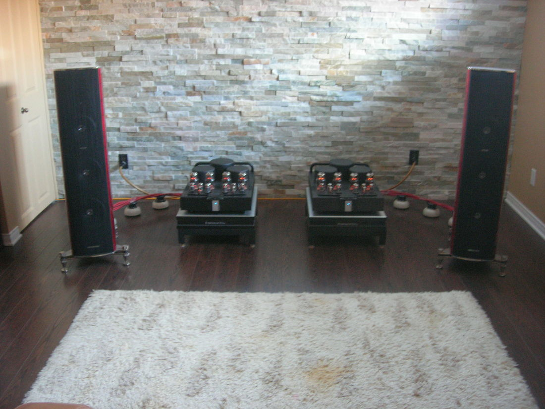 Sonus Faber Amati Futura powered by Balanced Audio Technology BAT VK-150SE
