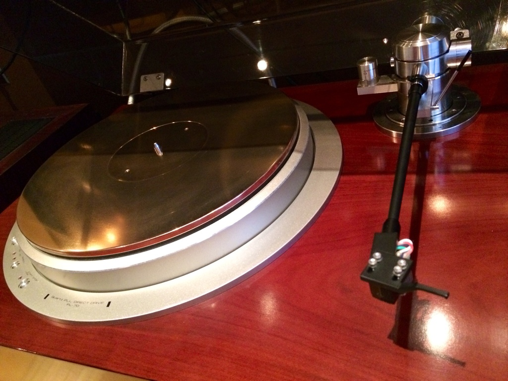 Exclusive P10 turntable