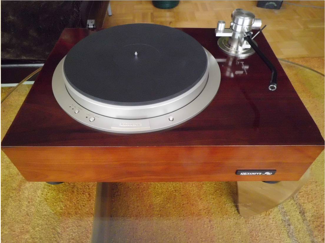 PIONEER EXCLUSIVE P10 TURNTABLE