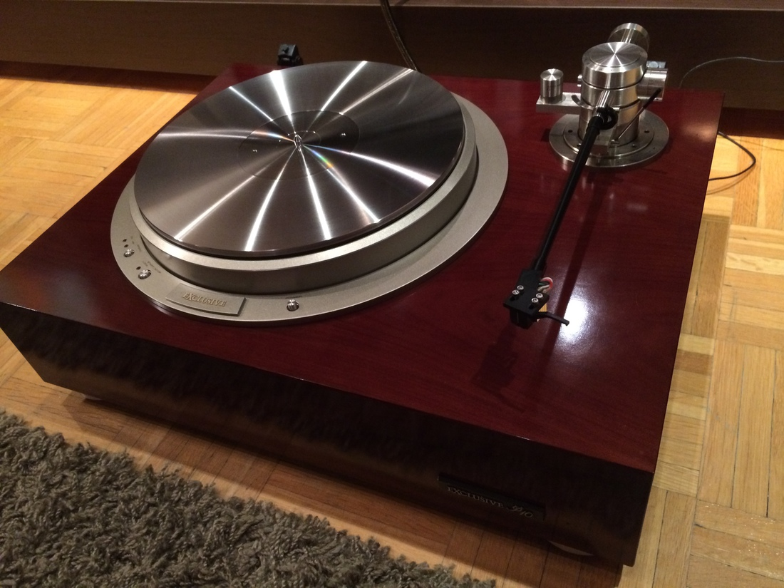 PIONEER EXCLUSIVE P10 TURNTABLE with Stainless Steel Mat