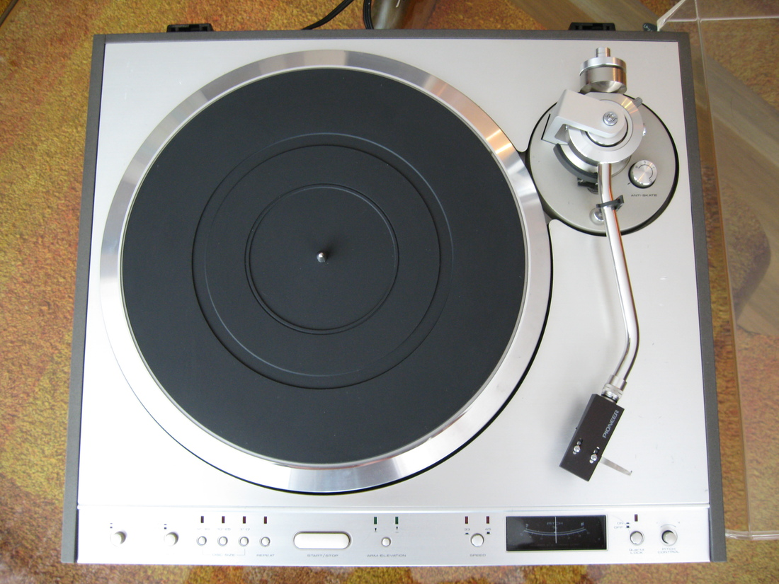 Pioneer PL-630 Turntable