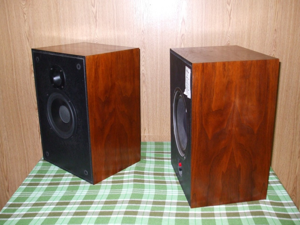 Klipsch Kg2  Squared  2 Way Audiophile Quality Speakers