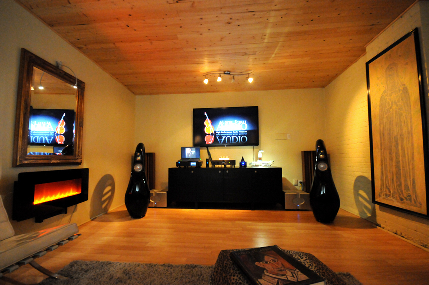 New Sound Room featuring the incredible Vivid Audio Giya G3 Speakers