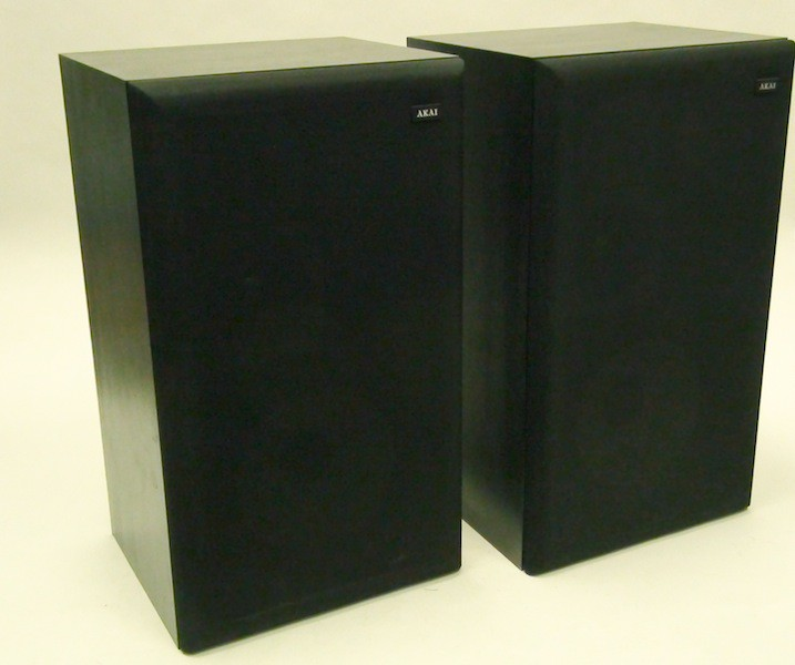 AKAI SW137 Vintage Speakers MADE IN JAPAN For Sale