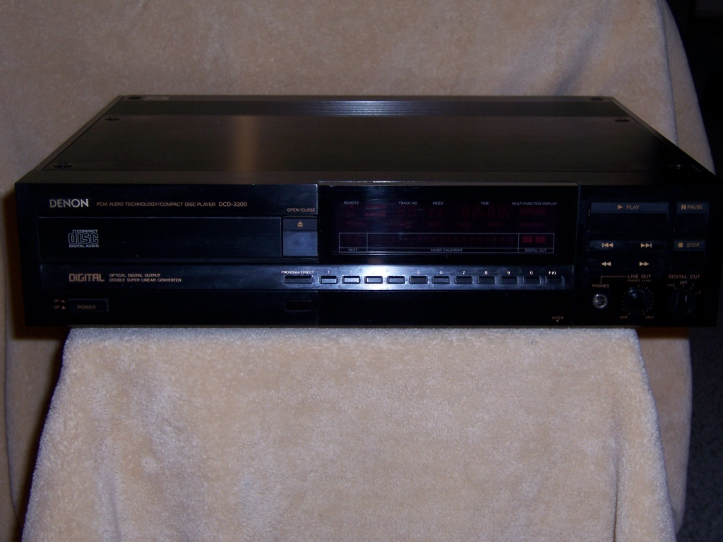 Early Denon DCD-3300 cd player