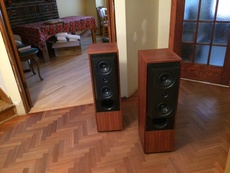 Kef 104.2 Referece Reries