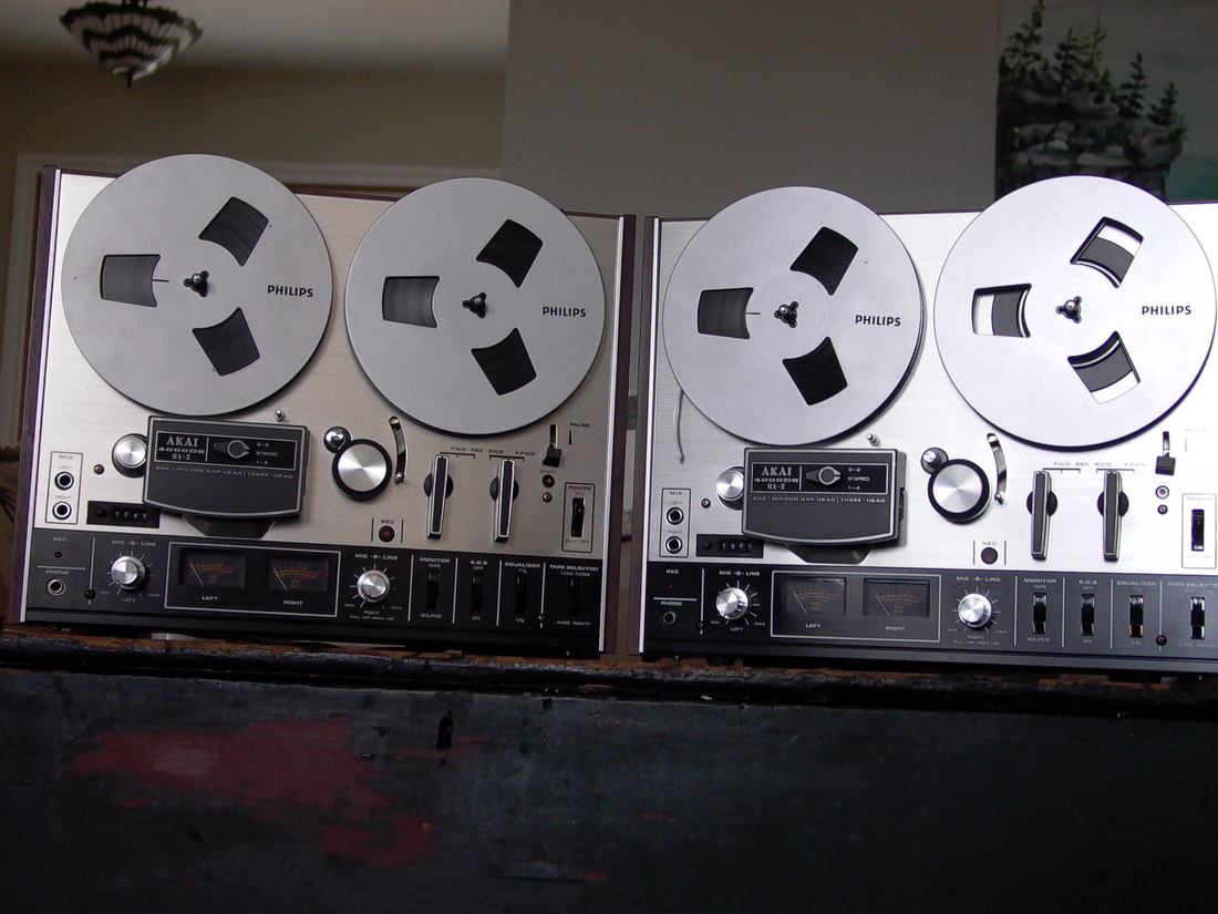 DUELING AKAI 4000DS MKII REEL TO REELS