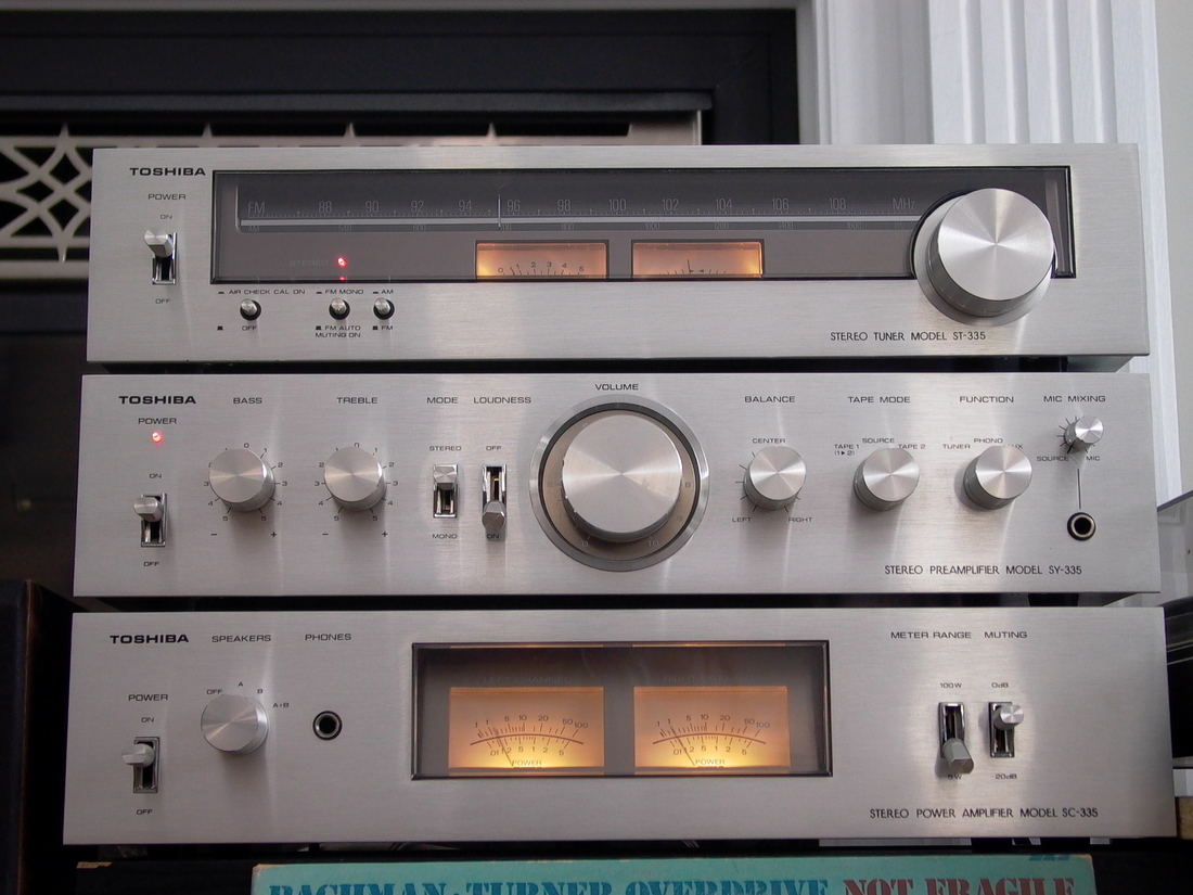NICE COMPACT SETUP TOSHIBA SC-335 POWER AMP SY-335 PREAMP ST-335 AM/FM TUNER