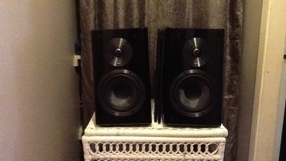 SVS Ultra Bookshelf Speakers For Sale