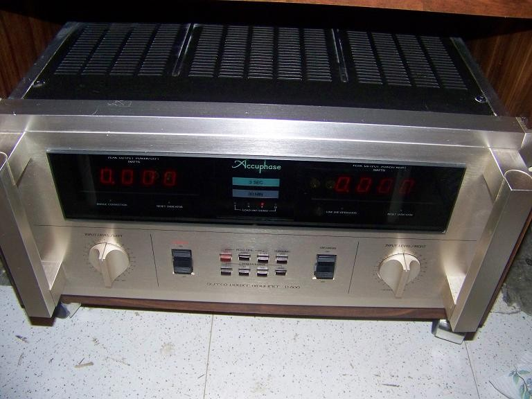 accuphase p600 power amplifier for sale canuck audio mart. Black Bedroom Furniture Sets. Home Design Ideas