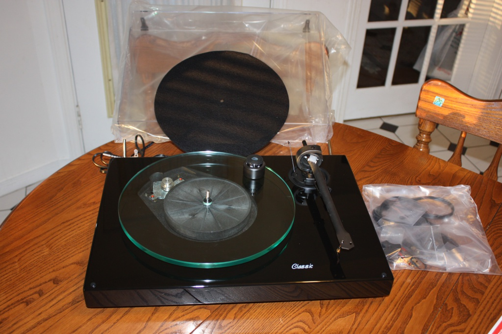pro ject 2 9 classic turntable new for sale canuck. Black Bedroom Furniture Sets. Home Design Ideas