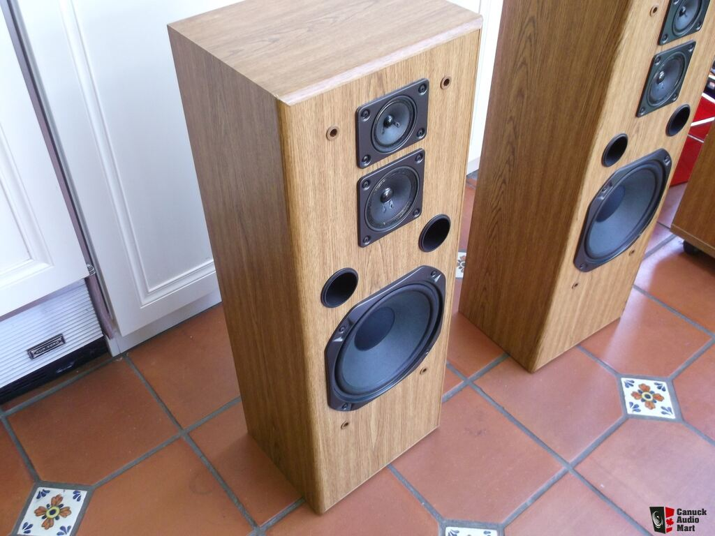 2 Vintage Fisher Tower Speakers Stv 9005wc Photo 1004479