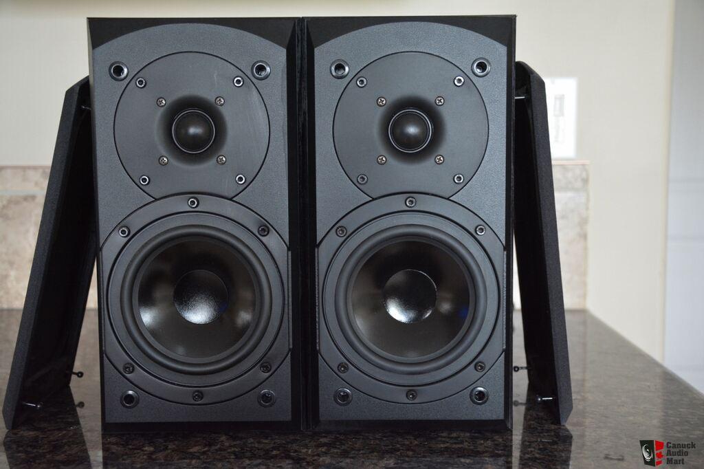 Quest Q665 Tower Speakers And Q510 Bookshelf