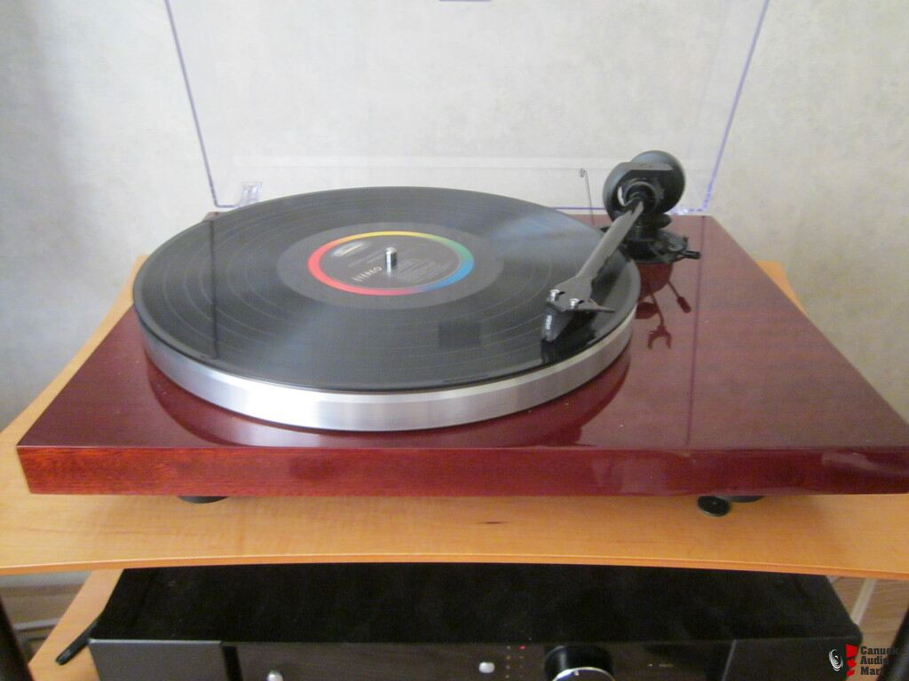pro ject 1 xpression carbon classic turntable in mahogany. Black Bedroom Furniture Sets. Home Design Ideas