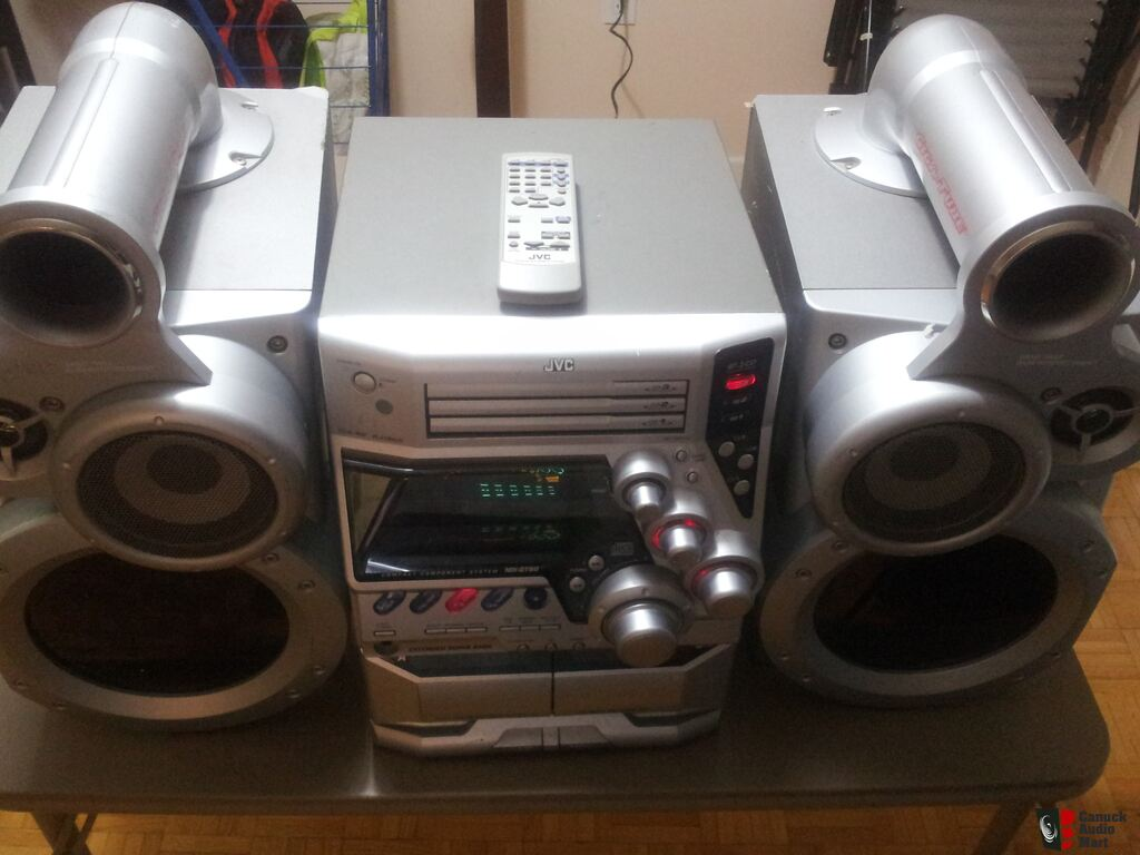 Jvc Huge Bookshelf Component Stereo With Giga Tube Sub Woofers And Remote 350 Watts
