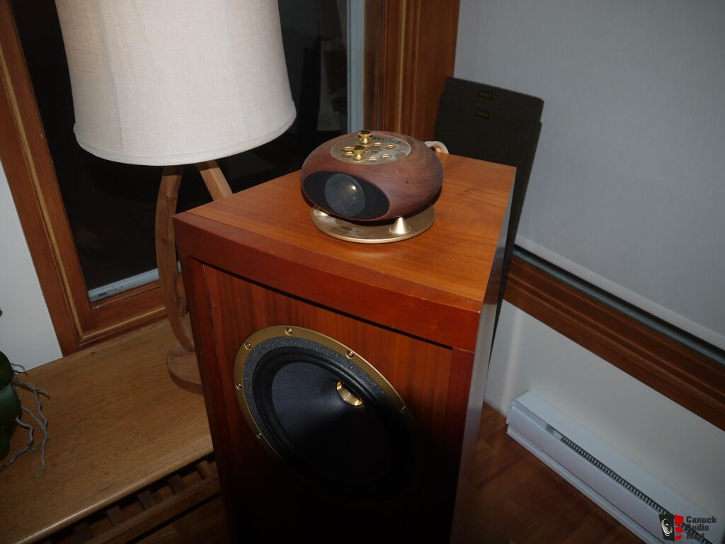a pair of tannoy super tweeter st 200 photo 1040018. Black Bedroom Furniture Sets. Home Design Ideas