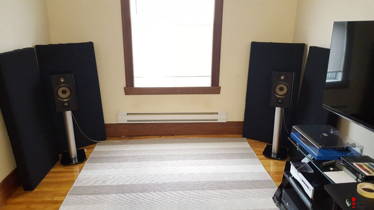 Focal ARIA 906 with Stand (PIANO BLACK) Sale pending for