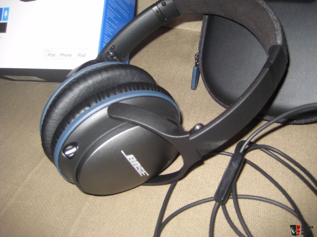bose qc25i over ear noise cancelling headphones photo. Black Bedroom Furniture Sets. Home Design Ideas