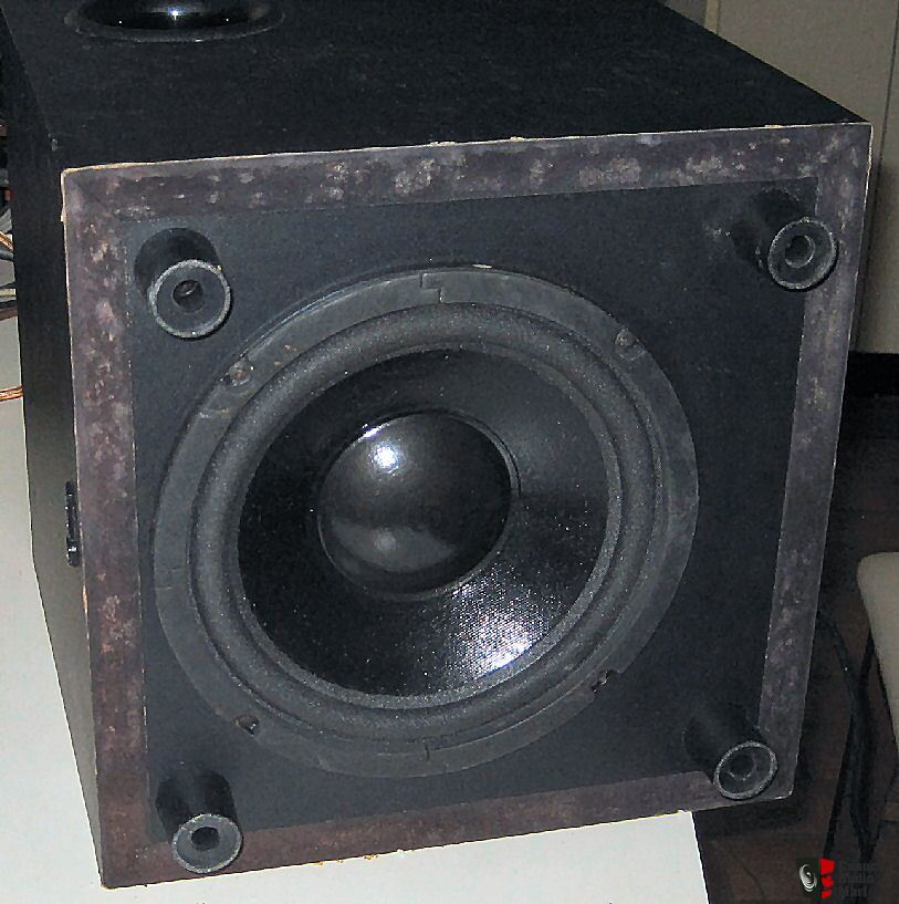 Infinity Bu 1 8 Quot Down Firing Powered Subwoofer Works