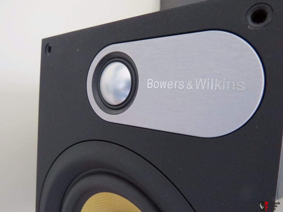 bowers wilkins 600 series bookshelves photo 1303298. Black Bedroom Furniture Sets. Home Design Ideas