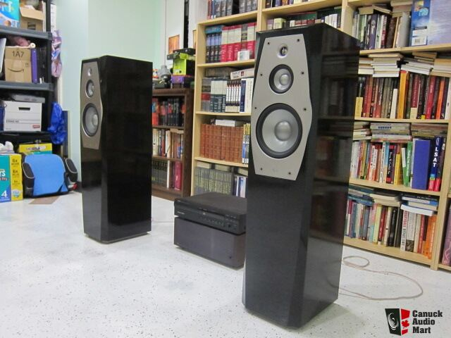 infinity il40. infinity interlude il40 floor standing speakers in black tiger-stripe finish il40 l