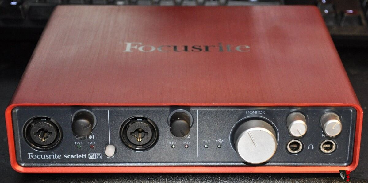 Focusrite Scarlett 6i6 USB Audio Interface/DAC Photo