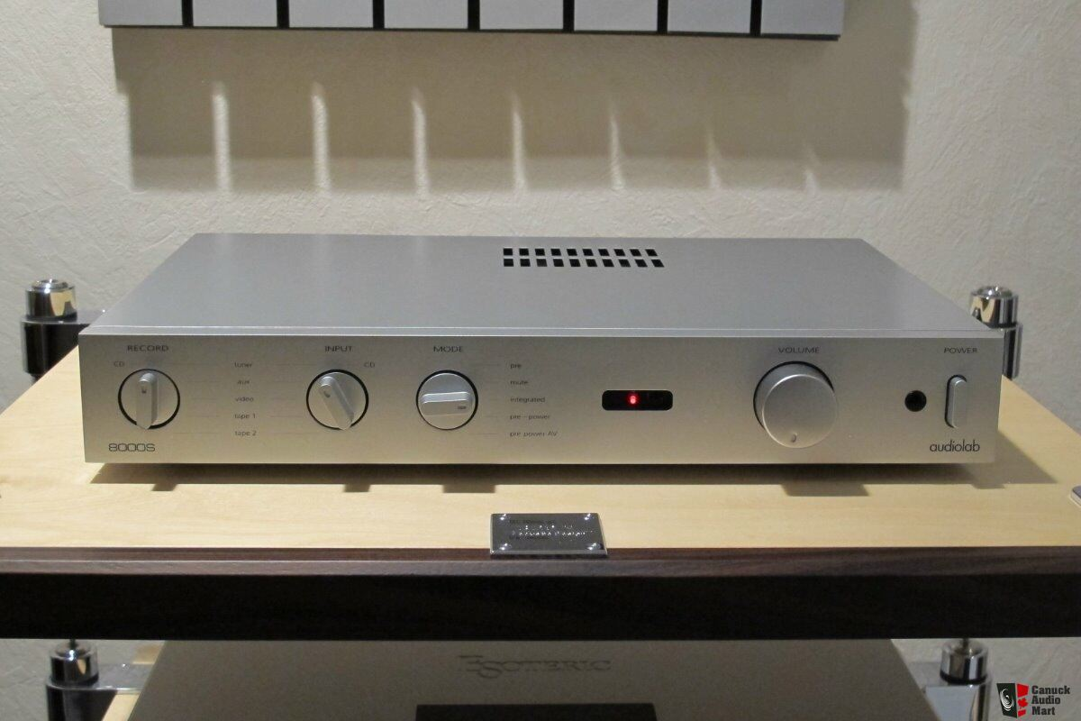 Audiolab 8000S integrated amplifier in sliver - NEAR MINT !!!
