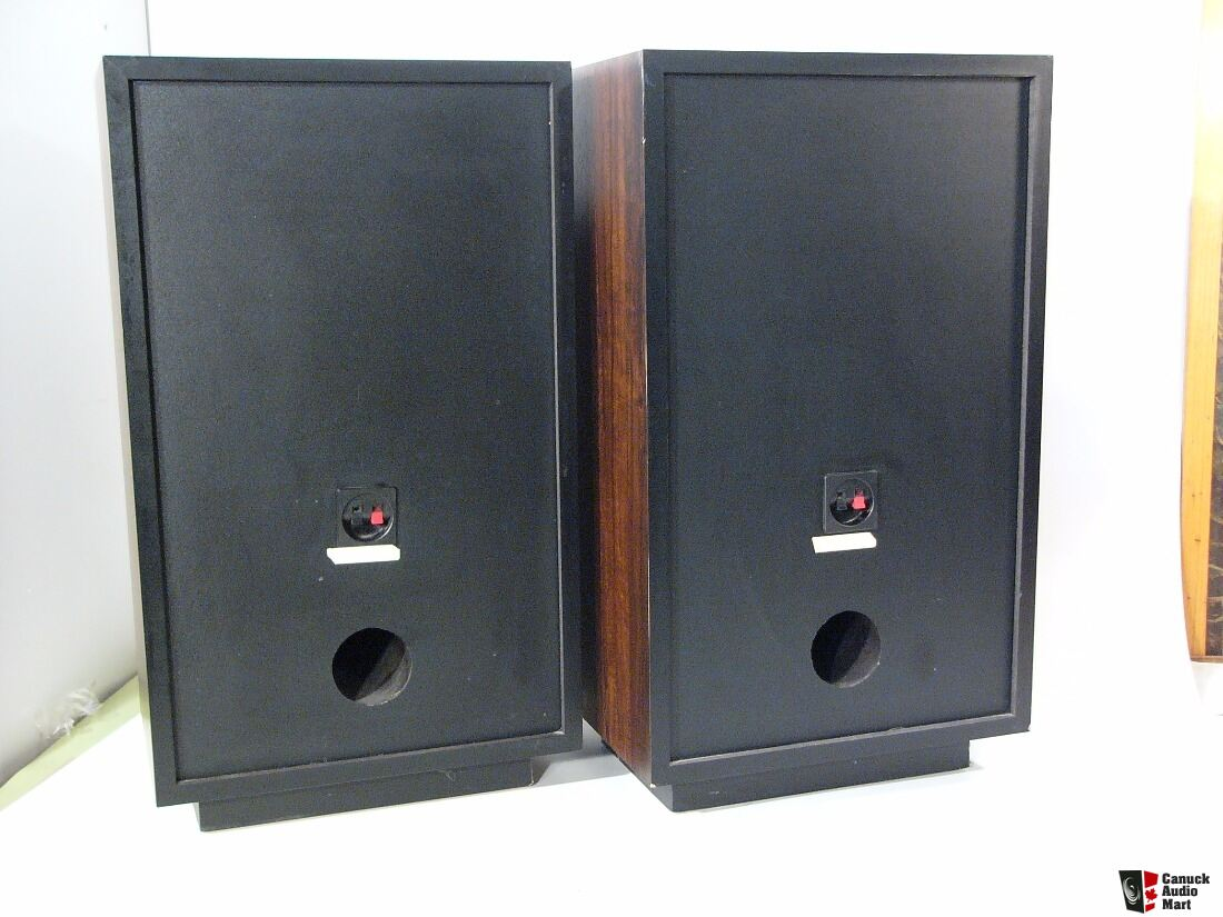 Excellent pair of cerwin vega at 60 at 12 floorstanding for 12 floor speakers
