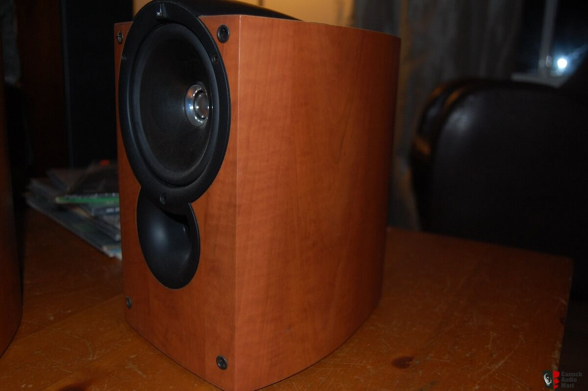 KEF Q Compact Series Bookshelf Speakers - Made in England