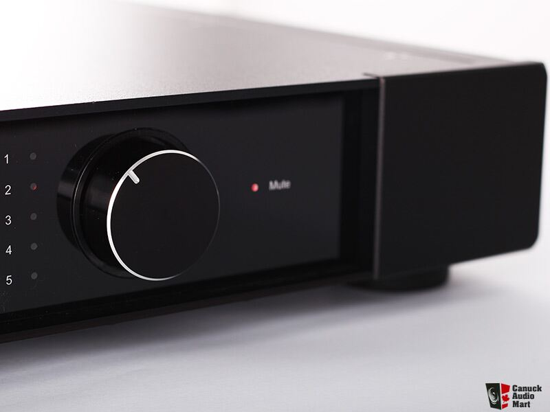 REGA Elex-R Integrated Amplifier: Manufacturer Refurbished