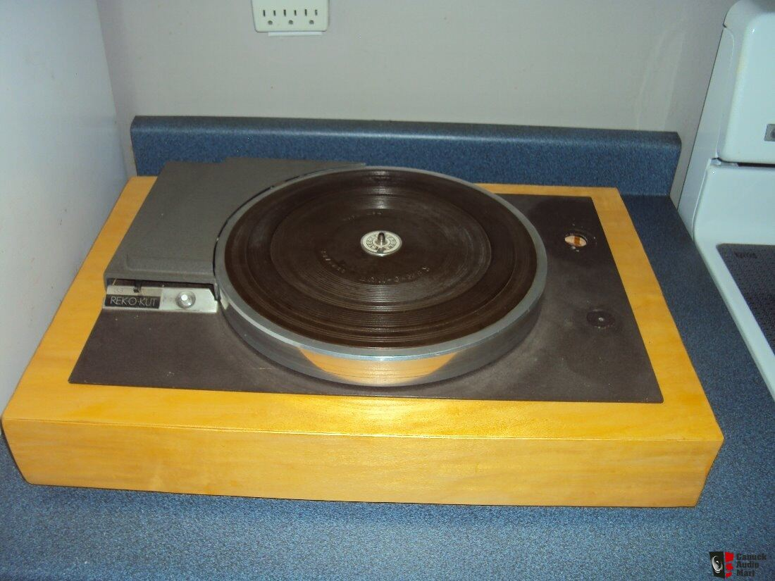 REKOKUT N34H Belt driven turntable with custom plinth needs belt and tonearm unit working
