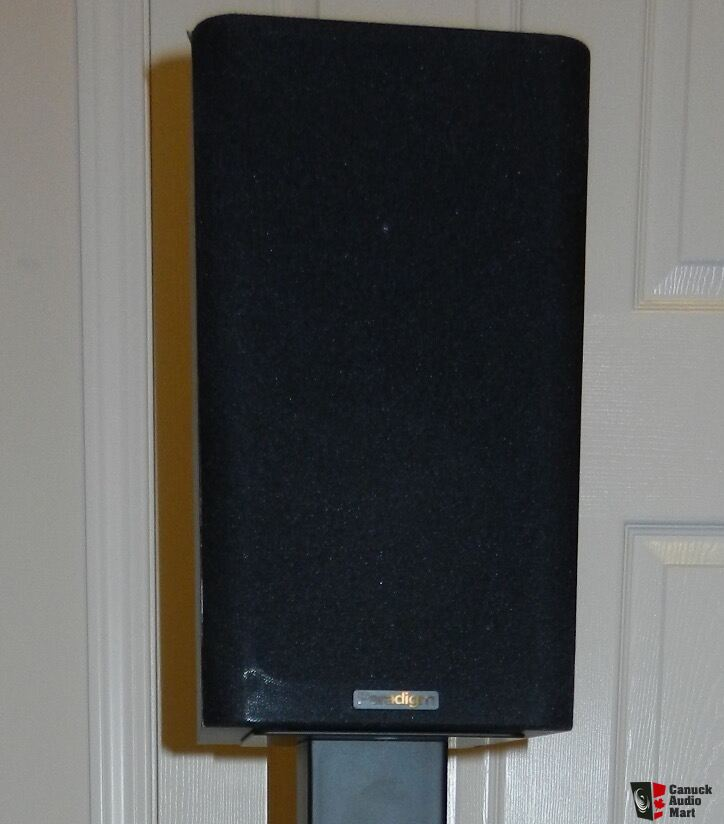 2 Paradigm Atom Black v.7  with stand