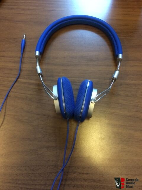 B&W P3 Headphones - Blue color! Photo #1607596 - Canuck