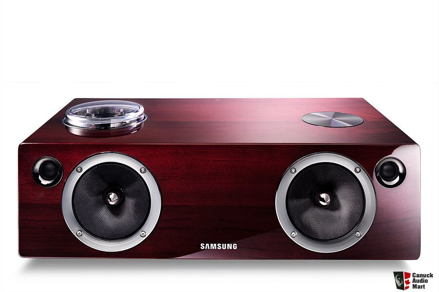 Samsung DA-E750  Bluetooth speaker and Dock