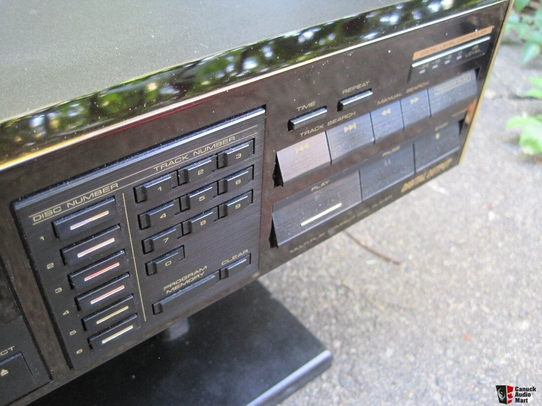 Pioneer PD-M90X Reference Multi-Play CD Player Photo