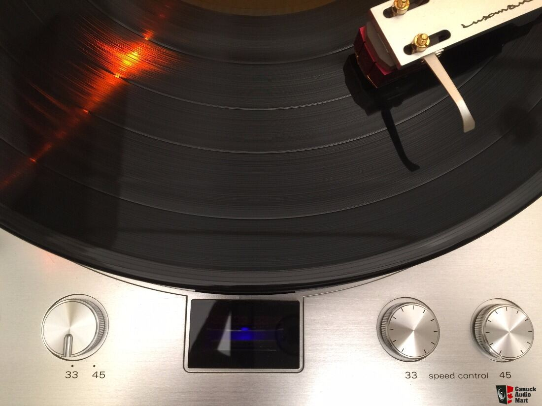 Luxman PD-171 Analog Turntable with audio-technica AT33EV Dual Moving Coil Cartridge