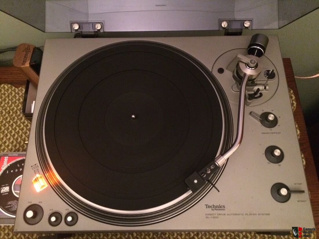Technics SL 1300 Turntable