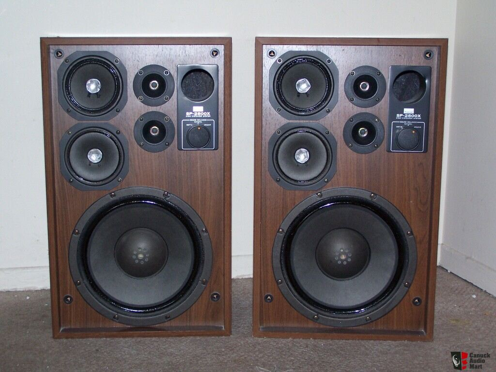 SANSUI SP-2500X Vintage Speakers  3 Way 5 speaker System