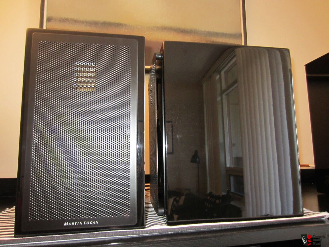 Martin Logan LX16 Motion 15 Book Shelf Speakers With Cables